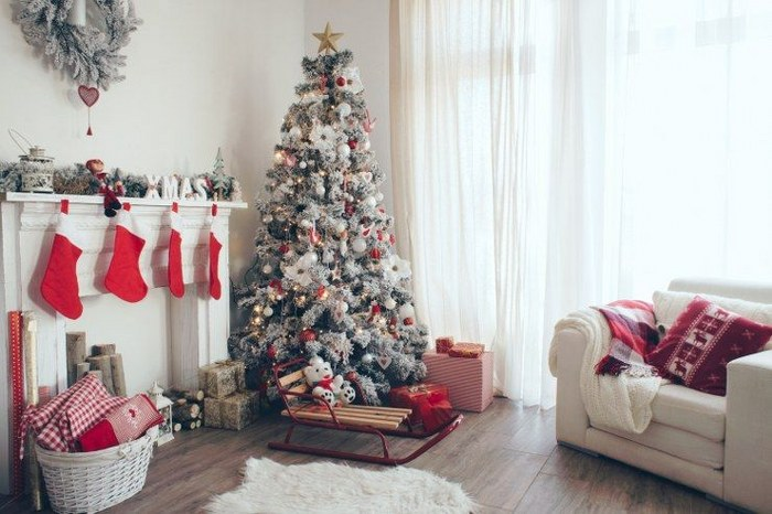5 Budget-Friendly DIY Christmas Decorations